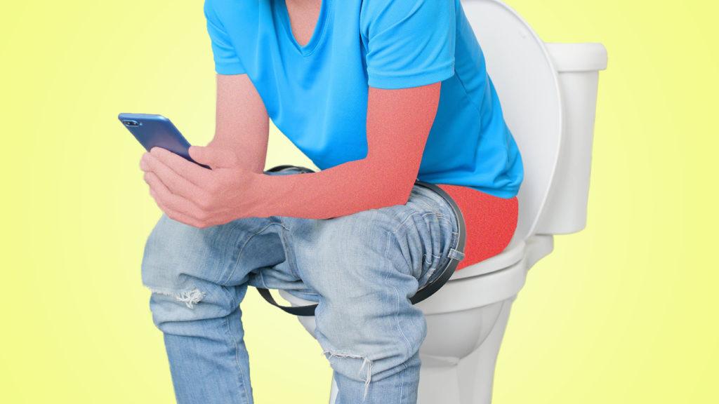 Tránh ngồi lâu khi đi ngoài để giảm thiểu triệu chứng bệnh trĩ