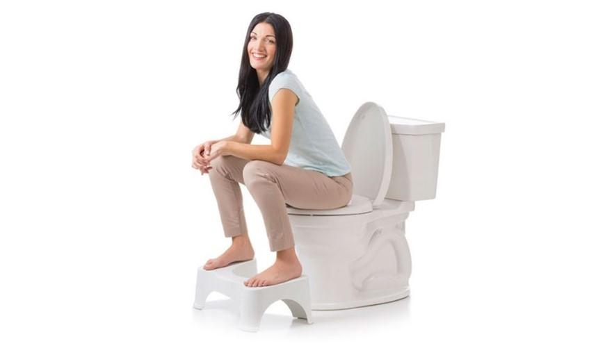 Đi vệ sinh đúng cách góp phần cải thiện bệnh trĩ